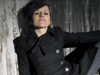 Dolores-O-riordan-the-cranberries-3023405-800-600